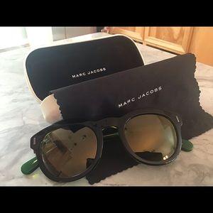 Marc Jacobs Designer sunglasses with cloth & case